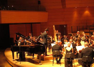 orchestra-con-pianista-zee-zee-01