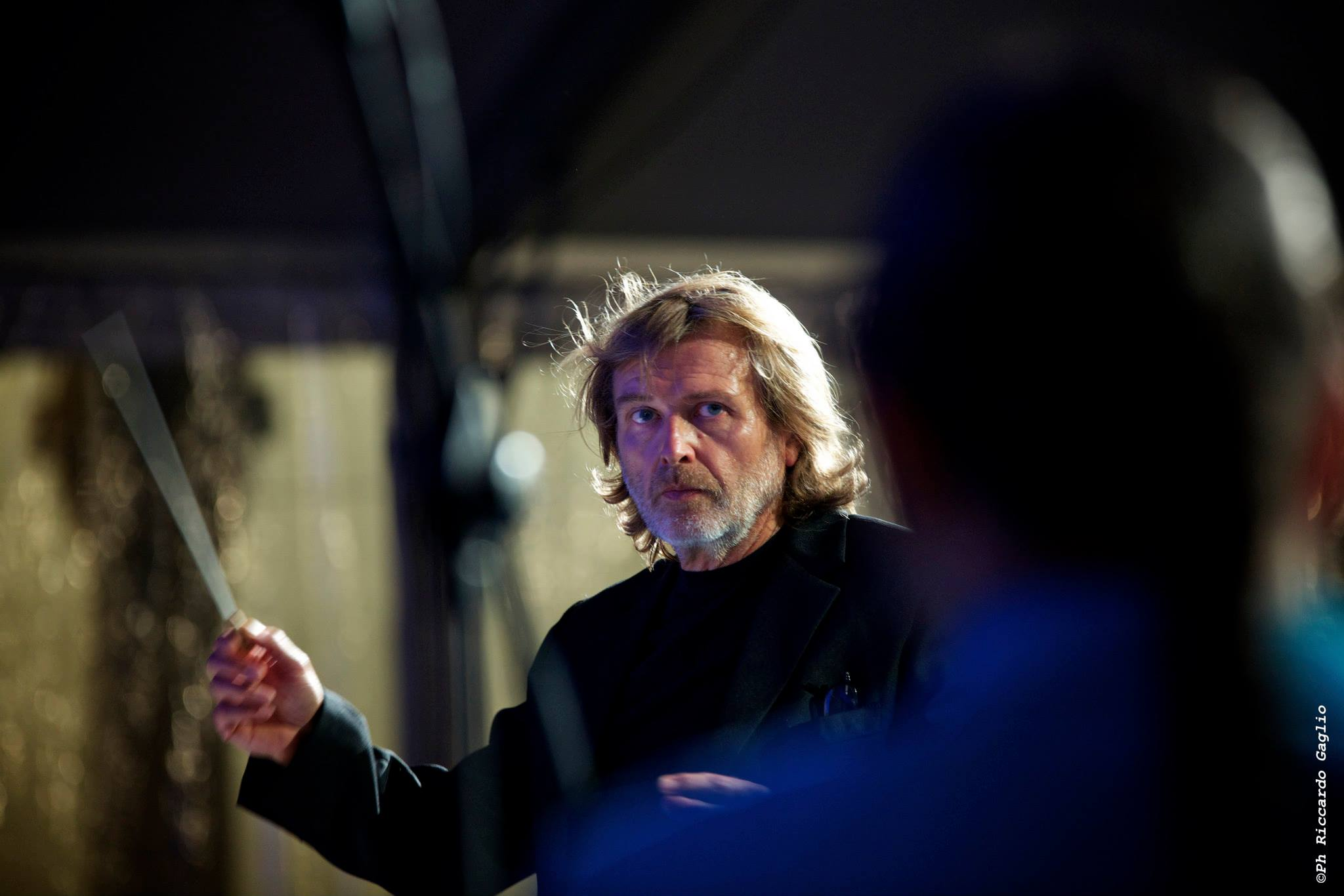 Il Maestro Alberto Serrapiglio, coordinatore e direttore del Laboratorio di World Music