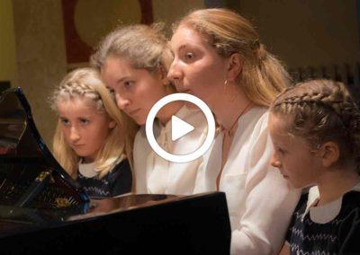 Video: Tutte insieme appassionatamente