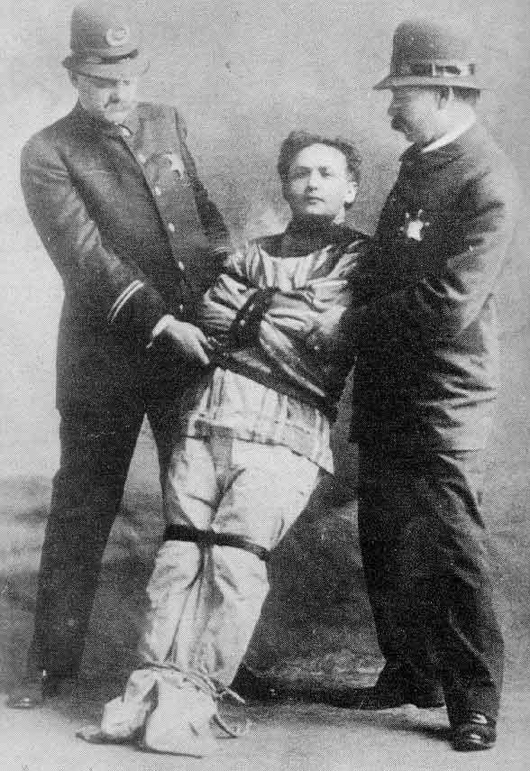 ClassicAperta - Houdini the great