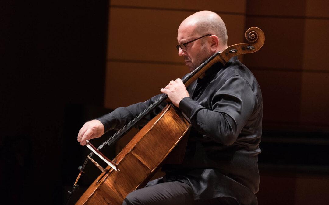 Un violoncello | 2