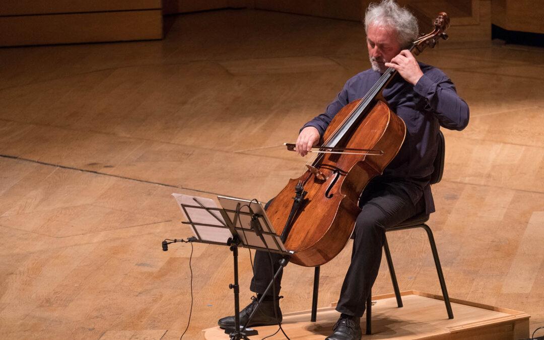 Un violoncello | 3